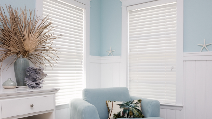 istock painted venetian blinds